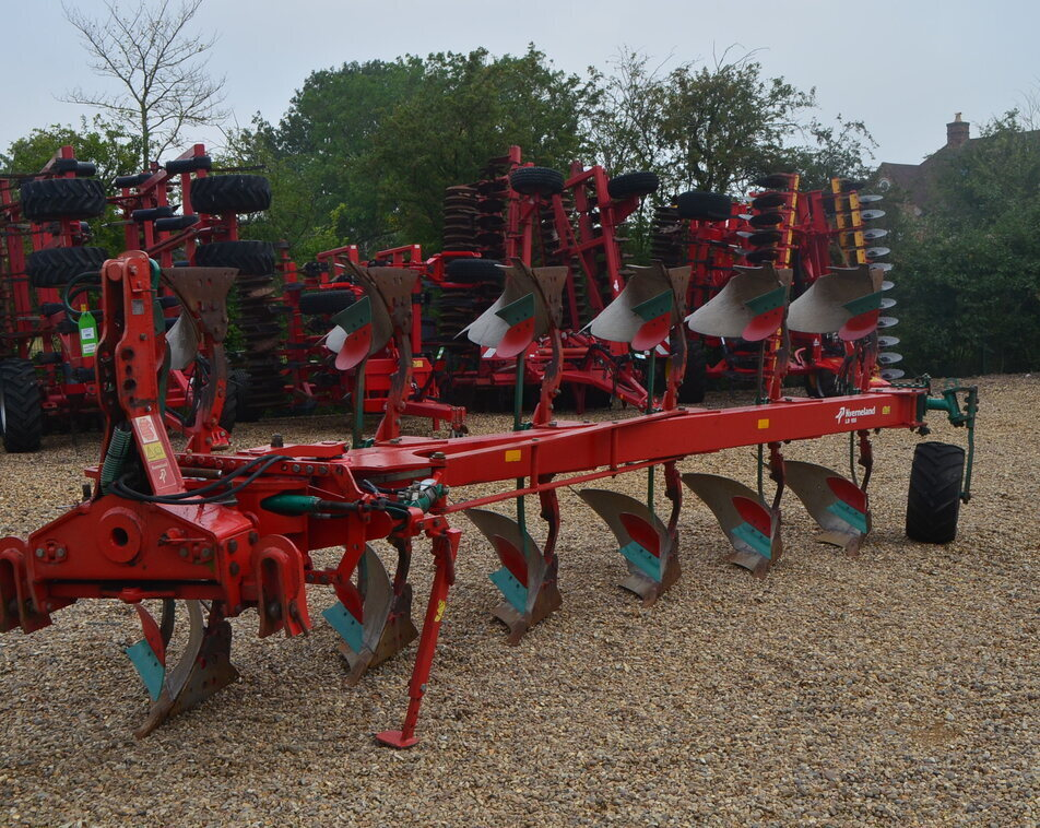 KVERNELAND LD100/300 6 FURROW For Sale
