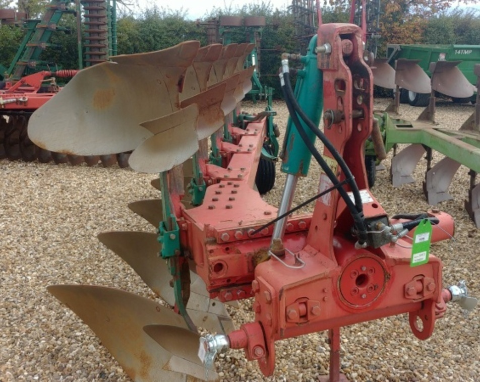KVERNELAND LM85/200 5F PLOUGH For Sale