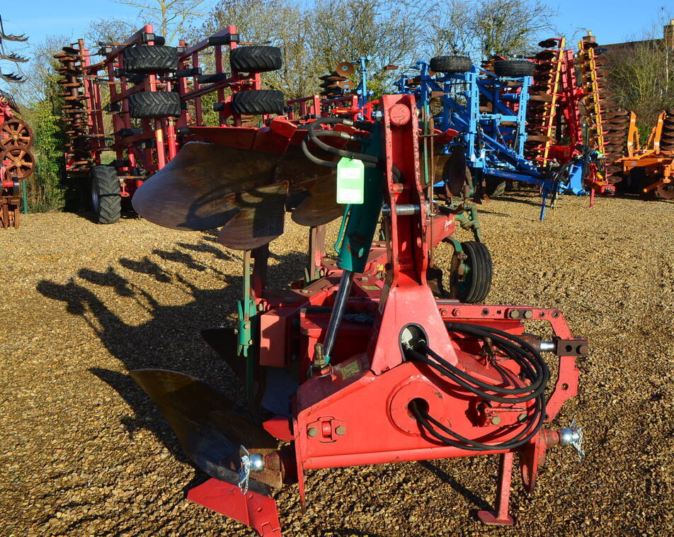 KVERNELAND LD85/300 6 FURROW For Sale