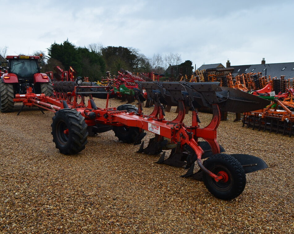 GREGOIRE BESSON 11 FURRPW WAGON PLOUGH For Sale