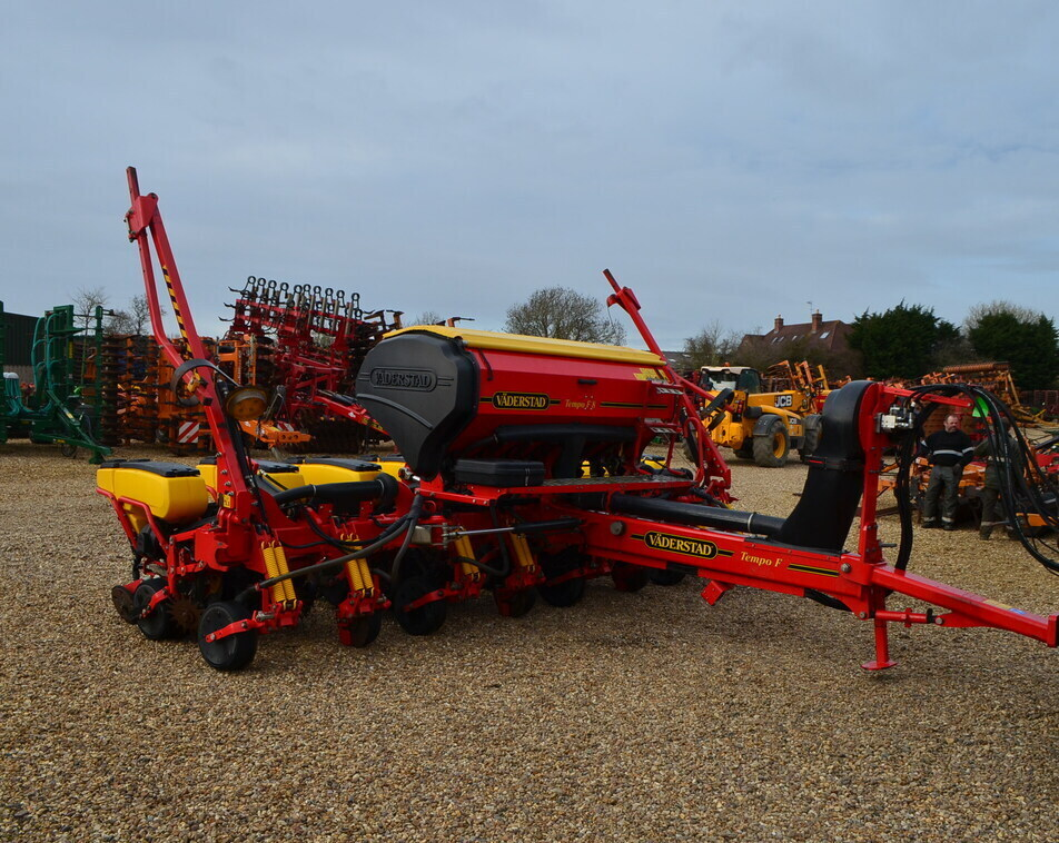VADERSTAD TEMPO TPF8 TRAILED For Sale