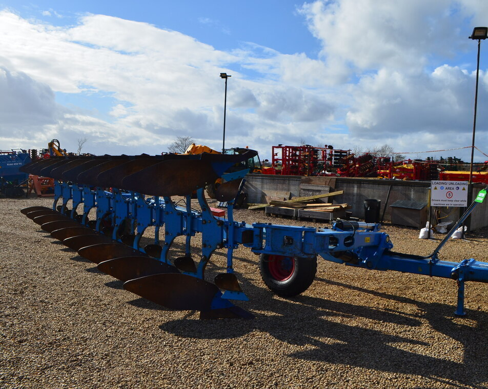 LEMKEN VARI-DIAMANT 10 9 FURROW For Sale