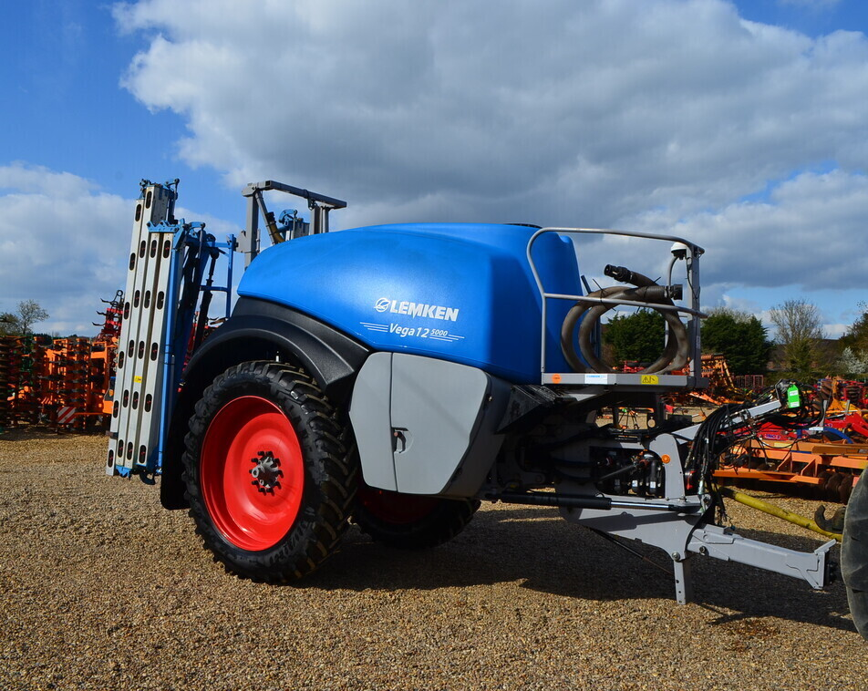 LEMKEN VEGA 12 5000 For Sale