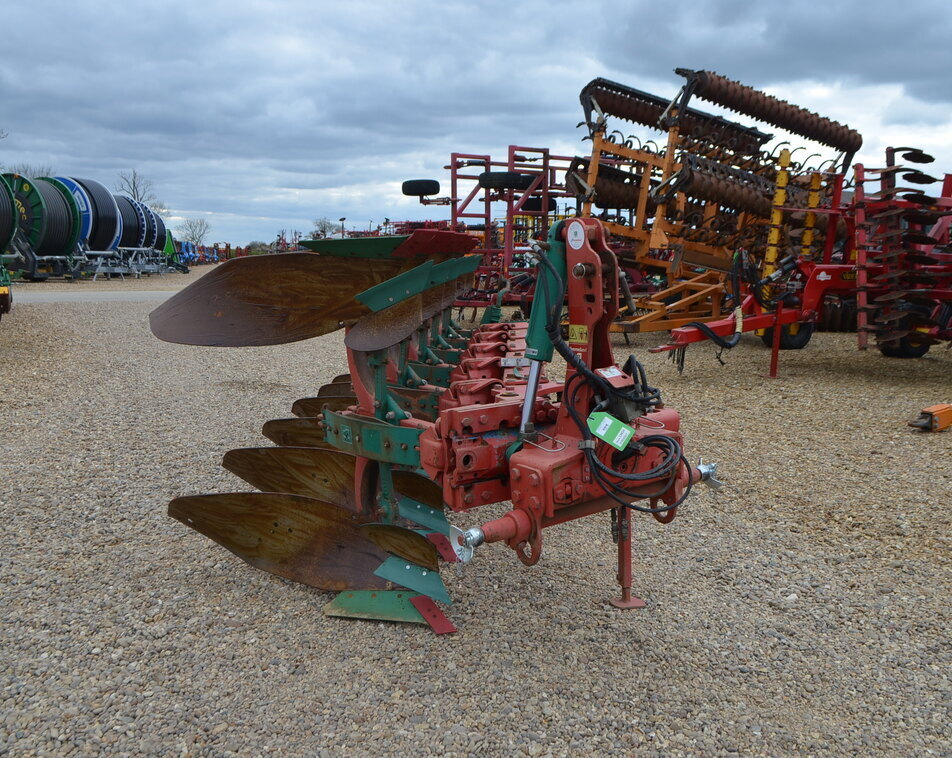 KVERNELAND ES85/200 6 FURROW For Sale